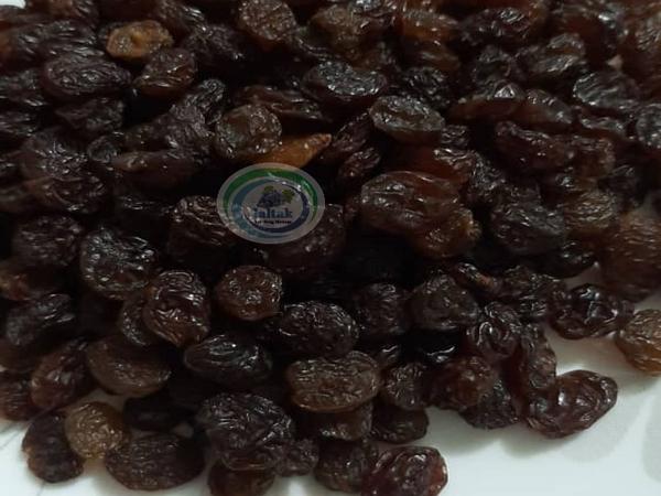 فروش کشمش سیاه بیدانه در بازار